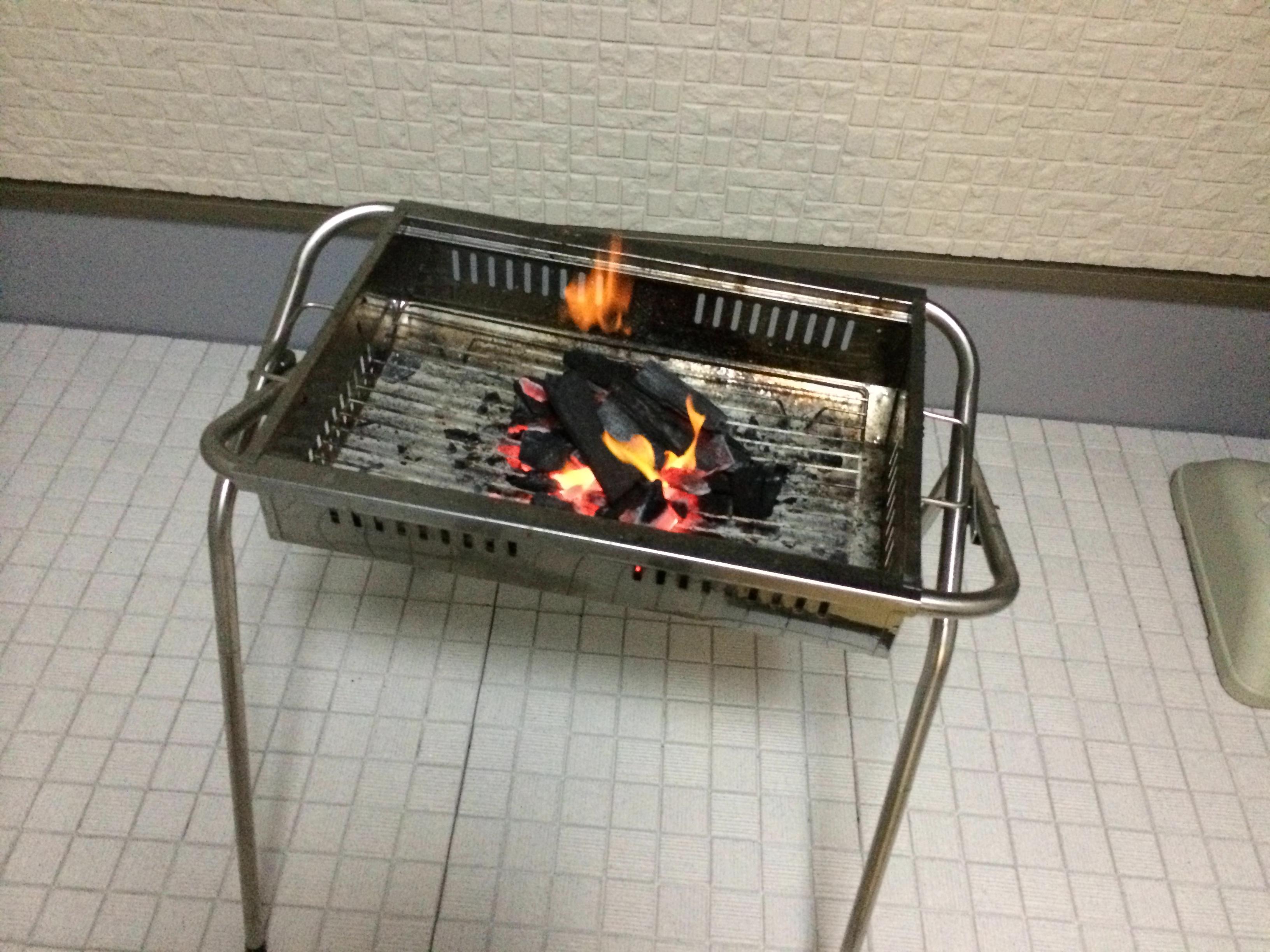 バーベキューの火おこし/誰でも簡単に炭に火を付ける方法
