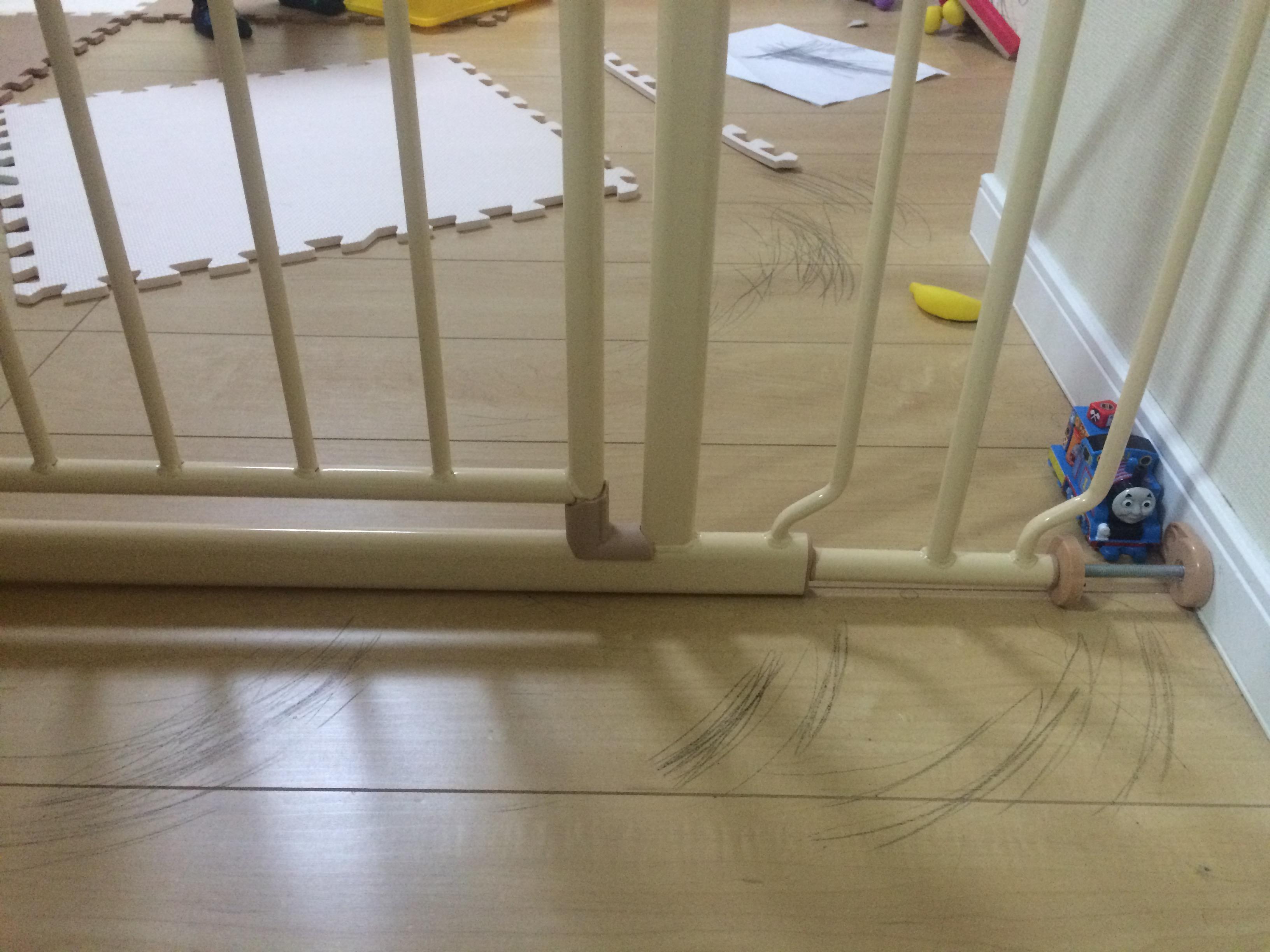 床の落書き