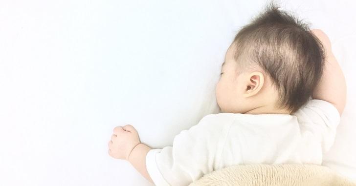 気持ちよさそうに寝ている赤ちゃん_2
